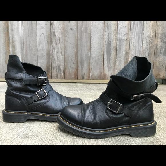 Dr. Martens Kristy Slouch Rigger Boot: : Schuhe
